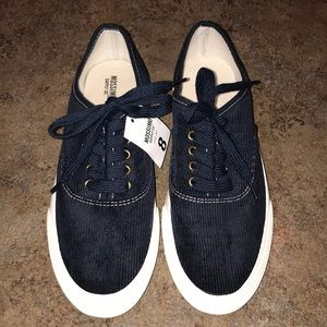 NWT Corduroy Casual Sneakers